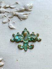 Finding-French Flower Finding-aged green Raw brass Fleur De Lis,Stamping-Crest