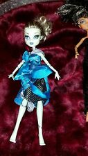 Wow, Amazing monster high dolls cleo, and Frankiestein.  good condition