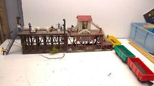 Vintage Lionel Icing Loading Station Diorama-Lighted Hand Made -(K93)