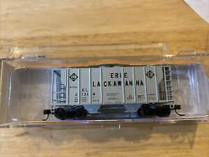 Athearn N Scale Covered Hopper EL New