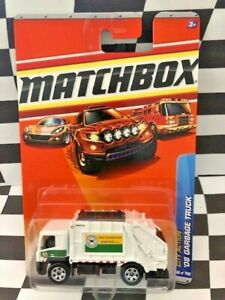Matchbox 2010 MBX City Action '08 Garbage Truck 66/100 2008 White