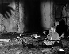 Bela Lugosi UNSIGNED photo - D590 - The Ghost of Frankenstein