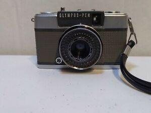 Olympus Pen EES-2 Half Flame 35mm Film Camera 30mm F/2.8 damaged shutter cracked