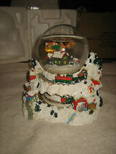 CHRISTMAS MUSICAL ANIMATED SANTA WATER GLOBE~SANTA CLAUS IS COMING TO TOWN SONG