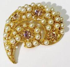 broche bijou vintage relief ajouré cristaux perle blanche couleur or rare * 3920