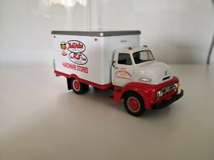 1953 FORD C-600 'TRUE VALUE' STRAIGHT TRUCK 1/34 scale die-cast model First Gear