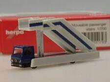 Herpa Selbstfahrende Fluggasttreppe, MB in blau - 551793 - 1:200