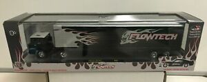 M2 Machines Auto Haulers Release 35:1/64 1966 Ford C-950 & 1970 Ford Mustang NIB
