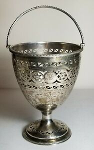 ANTIQUE  GEORGE III ENGLISH STERLING SILVER BASKET, ROBERT HENNELL, London 1782.