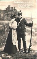 Stolzenfels am Rhein, Soldat mit Pickelhaube und Liebchen