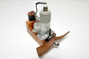 Rare 1938 Brown Junior D / 0.601 cu.in. Ignition Model Engine, New
