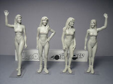 4  FIGURINES  1/24  HAWAIAN  TROPIC  GIRLS  SET  313  BY  VROOM  FOR  CARRERA