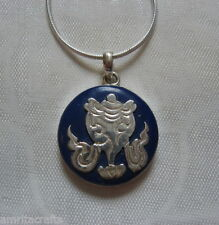 Tibetan Buddhism Auspicious Symbol Sankha Conch Shell Round Lapis Silver Pendant