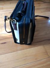 Smart laptop bag