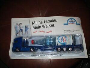 Camion-publicitaire-RARE avec grande bouteille d eau-Collector-Neuf-19,4cm