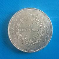 #0568# JOLIE PIÈCE DE 50 FRANCS HERCULE 1975 / ARGENT
