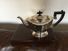 LOVELY SILVER PLATED TEA POT ON A RAISED OVAL FOOT (SPTP 4142) CHIPPENDALE