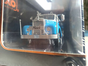 Mack B61 1953 1:43 iXO die cast model TR019 Light Blue NEW BOXED