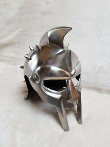 Mittelalterlicher Gladiator -  Helm , Neu