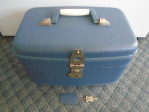 Vintage Blue Relco Travel Carry On Make-Up Case Luggage With Key
