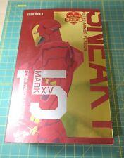 Hot Toys MMS396 1/6 Iron Man 3 Mark XV MK15 Sneaky Retro Armor Version