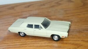 Masterpiece Ford Custom 1970 Sedan 1:87 Scale HO