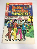 Archie Giant Series Magazine Betty & Veronica Spectacular #221 June 1974