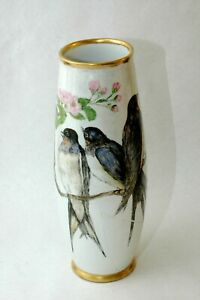 "Beautiful TK Thun Czechoslovakia hand painted Bird vase 12.5"" with Gildt Rim"
