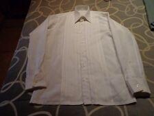 Camisa elegante para vestir. Talla 39- 15 1/2.  Usada. Mira mis otros artículos.