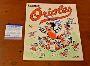 Rae 1960 BROOKS ROBINSON Signed Official BALTIMORE ORIOLES YEARBOOK-PSA