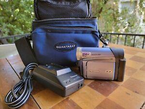 Panasonic PV-GS16 Mini DV Digital & Film Palmcorder Cam Camcorder Charger & Case
