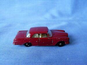 Matchbox Lesney 53b - Mercedes Benz 220 SE - Maroon - BPW - 1963.