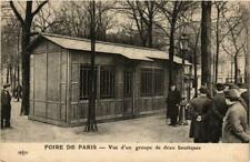 CPA FOIRE DE PARIS Vue d'un groupe de deux boutiques (700242)