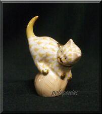 Herend Mischievous Cat 5221 - Butterscotch Fishnet - Domestic Collection