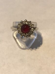 VINTAGE GOLD & SILVER RED & CLEAR STONE SET CLUSTER RING UK Size O