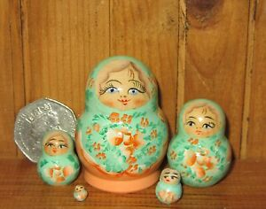 Russian Nesting doll Matryoshka 5 tiny Green Babushka MINIATURE House