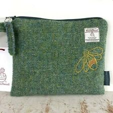 HARRIS TWEED CLUTCH BAG PURSE WRISTLET LOVAT GREEN TWILL EMBROIDERED BUMBLE BEE