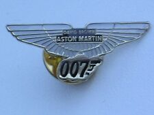 Aston Martin David Brown DB5 Gold 007 Goldfinger Pin Badge NEW