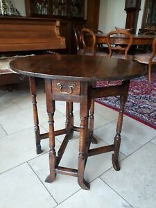 Diminutive Late 17th / Early 18th Century Oak Gateleg Table Gate Leg Queen Anne