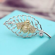 Brand New Design White Cubic Zircon Winter Coat Accessories Leaf and Bee Brooche