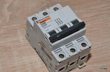 Disjoncteur 3P Tripolaire 0.5A - MERLIN GERIN 24495 Multi9 C60N D-0,5A -occasion