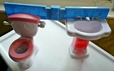 FISCHER PRICE SINK AND TOILET SET CONNECTED BARBIE SIZE (TOILET FLUSHES)