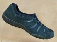 Skechers Relaxed Fit Navy Suede Bungee Walking Sneaker 22478 Women's 9 / EUR 39