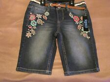 SQUEEZE Girl's10 Medium Dark Wash Jean Shorts Nice Stitch Work And Belt