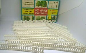 MERIT WHITE PALING FENCES FOR HORNBY TRIANG RAILWAYS OO GAUGE