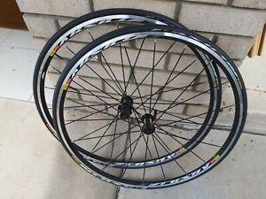 Mavic Aksium Race Road Bike Wheel Set 700C 11 Speed New.