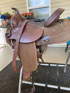 "16"" Circle Y Saddle EUC!"
