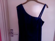 Smart velvet dress for parties and going out
