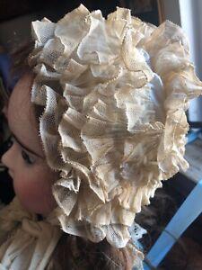 Bonnet ancien  XIXe dentelle pour poupée ancienne jumeau, bru, steiner