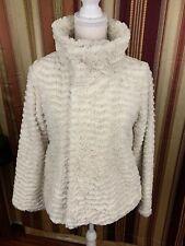 EUC Rare Women's Patagonia Fuzzy Snap Sweater Small White Warm Polyester